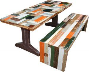 gekleurde_tafel_met_bankje___kopie